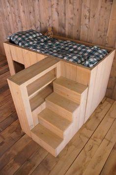 Halfhoogslaper speelhut/kastje/trap Kids Bed Design, Diy Garden Projects, Diy Bed, Kidsroom, Pallet Furniture, Wood Pallets, Girl Room, Bunk Beds, New Homes