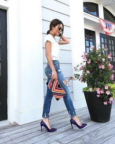 Camila coelho Casual vibes - in denim, white tee and @carranooficial pumps! ---------- Vibe casual! Amoooo um jeans e camiseta branca - hoje combinei com clutch em tweed colorida e scarpin deuso de @carranooficial !  #ootd #ilovecarrano (Aproveitem, o site de Carrano está em liquidação!!!)