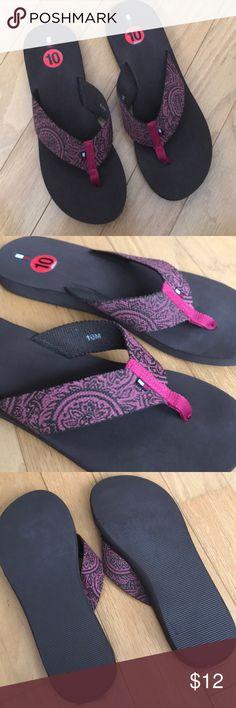 9ae637df2 BOGO NWT Tommy Hilfiger Sandals Magenta Size 10 NWT Ladies sandals by Tommy  Hilfiger Size 10 Brown sole and magenta brown floral strip Tommy Hilfiger  Shoes ...