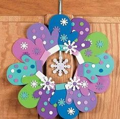 nails, You can collect images you discovered organize them, add your own ideas to your collections and share with other people. Christmas Crafts For Toddlers, Christmas Activities, Toddler Crafts, Preschool Crafts, Christmas Art, Christmas Wreaths, Christmas Decorations, Christmas Ornaments, New Year Diy