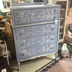 Country Chic Paint Retailer Showcase: March 2016 #DIY #retailer #countrychicpaint #ccp #homedecor #furniturepainting #paintedfurniture - blog.countrychicpaint.com