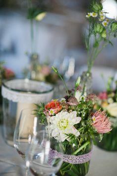 Blumen- und Kerzengläser mit Spitze