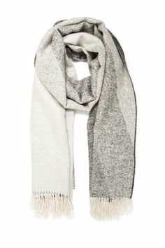 21 Chunky Knit Scarves For Fall - Page 5