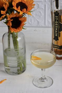 Sunflower: gin, St. Germain, Cointreau, lemon juice, absinthe rinse