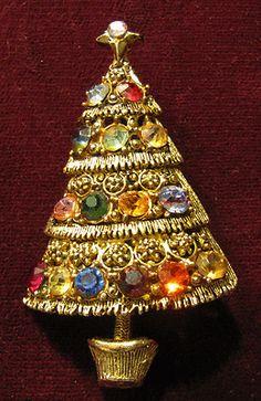 Special Hollycraft Christmas Tree Pin |eBay