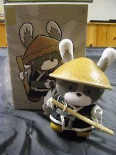 "Kidrobot Dunny 8"" Huck Gee Raku Black Day Vinyl Toy Raccoon Figure Hat Sword Box"