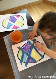 Wet Chalk Easter Egg Decorating and other Easter Themed Tot School activities and ideas. {Mrs. Plemons' Kindergarten}