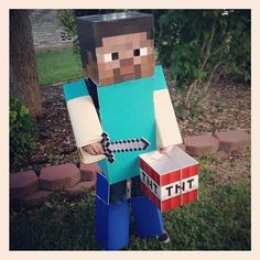Minecraft Halloween costume. Great bucket !