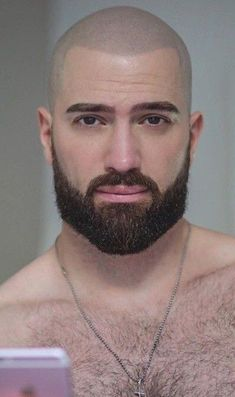 Physically, bald with beard men are sexier, and more dominant, that is what people say. Growing a beard with bald is a great complement to your bald head. Bald Head With Beard, Bald Men With Beards, Great Beards, Awesome Beards, Beard Styles For Men, Hair And Beard Styles, Barba Grande, Beard Growth Oil, Beard Wash