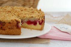 Raspberry & Apple Crumble Cake