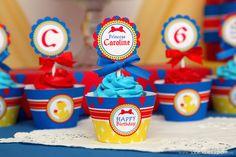 Cupcakes at a Snow White Party #snowwhite #partycupcakes
