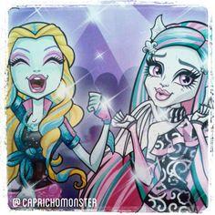 Nossas divas amigo *-* Essa coleção é monstruosamente perfeita ♥ #MonsterHigh #Mattel #RochelleGoyle #LagoonaBlue #GhoulsNightOut