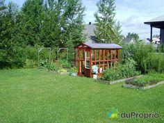 Maison à vendre Sherbrooke, 3415, rue Felton, immobilier Québec | DuProprio | 575197 Sherbrooke Quebec, Bungalow, Rue, Cabin, House Styles, Home Decor, Real Estate, Decoration Home, Room Decor
