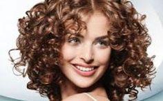 """Scopri come eliminare l'effetto crespo con consigli utili e trucchi per il """"Fai da Te"""". I tuoi capelli sono crespi ricci e indomabili??? Questo è l'articolo che fa per te. Trovera capelli capelli ricci capelli crespi"""