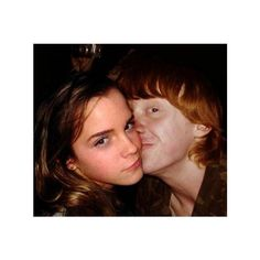 Ron Weasley and Hermione Granger Kiss | LeeLovesHotTrends.com ❤ liked on Polyvore featuring harry potter, emma watson, hp, people and harry potter stuff