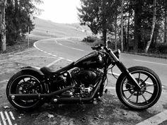 Harley Davidson Breakout own construction