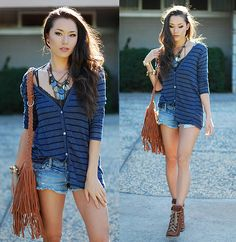 Peppermint Striped Open Back Sweater, Chicwish Fringe Bag, Express Chunky Necklace, Jessica Simpson Brown Booties, American Eagle Ripped Shorts