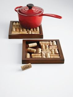 wine cork trivet - use a picture frame