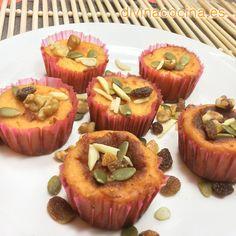 Si vas a preparar estos pastelillos de calabaza y frutos secos para Halloween o para niños puedes sustituir los frutos secos por trocitos de chocolate.