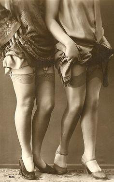 showing off those stocking tops (via www.footpathzeitgeist.blogspot.com)