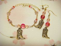Pink bracelet and earrings set with cowboy boots by Coloramelody