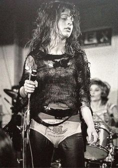 Ari Up from The Slits at the Mont De Marson Punk Rock Festival in 1977 Filles Punk Rock, Punk Rock Festival, Punk Mode, Punk Rock Girls, Estilo Punk Rock, Chica Punk, 70s Punk, Typical Girl, Riot Grrrl