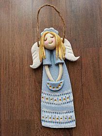 Christmas Clay, Christmas Crafts, Christmas Ornaments, Ceramic Clay, Porcelain Ceramics, Clay Angel, Salt Dough Crafts, How To Make Paint, Fondant Flowers