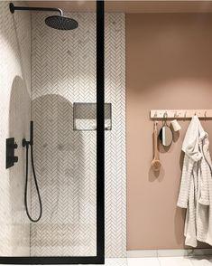 Toilet Design, Bathroom Goals, Bathroom Inspiration, Wall Lights, Bedroom Decor, Flooring, Interior, Instagram Posts, House