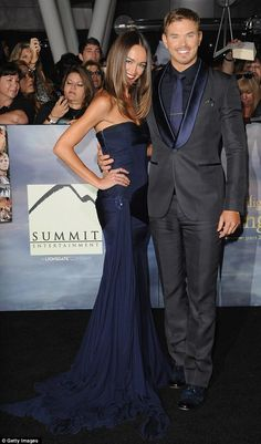 Navy blue and charcoal ... Our outfits for Kate's wedding?