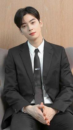 Hot Korean Guys, Korean Men, Drama Korea, Korean Drama, Pretty Boys, Cute Boys, Cha Eunwoo Astro, Lee Dong Min, Handsome Korean Actors