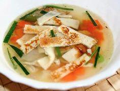 Chutná vložka do vývarů. Czech Recipes, Ethnic Recipes, Thai Red Curry, Feta, Cooking Recipes, Cheese, Czech Food, Fine Dining, Chef Recipes