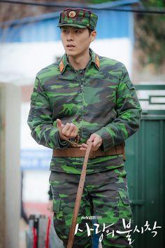 Crash Landing On You-Hyun Bin-K Drama-Subtitle Indonesia Hyun Bin, Lee Hyun, Jung Hyun, Kim Jung, Asian Actors, Korean Actors, Korean Drama Movies, Korean Dramas, Netflix