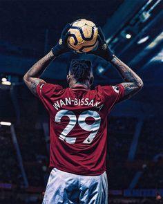Manchester United Wallpaper, Manchester United Legends, Manchester United Players, Ronaldo Soccer, Cristiano Ronaldo Lionel Messi, Fc Barcelona Neymar, British Rappers, Football Fever, Soccer Girl Problems