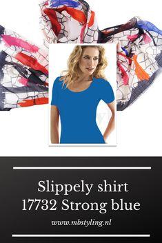 Dit blauwe Slippely viscose shirt met korte mouwen is gemaakt van 93% viscose en 7% elastan.  Het viscose Slippely shirt Strong Blue hoef je na het wassen enkel op te hangen en kan zonder te strijken weer heerlijk gedragen worden. Dit Slippely shirt is ideaal te dragen als basis shirt onder een vest of jasje.  #slippelyshirt #slippely #shirt #slippelyshirtonline #onlineslippelyshirt #slippelyshirtwebshop #blauwslippelyshirt Grunge Fashion, Denim Fashion, Fashion Models, Black Top And Jeans, Grey Jeans, Emma Watson Daily, Jessica Alba Casual, Billy Jean, Gwen Stefani Style