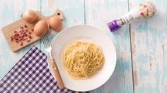 Spaghetti Carbonara - cremig neu | Entdecke Spaghetti Carbonara cremig neu. Das Rezept zum Film gibt es bei Rama Cremefine.