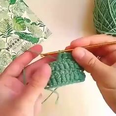 howto crochet workshop tutorialThe row begins with two air loops, then the thread is wrapped around the hook several times at your discretion: the height and density of your column depend on it). Crochet Simple, Crochet Diy, Crochet Motifs, Crochet Stitches Patterns, Knitting Stitches, Crochet Designs, Crochet Crafts, Crochet Projects, Knitting Patterns