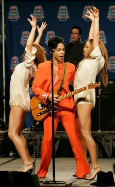 Prince Dead at 57: Iconic Singer Dies at Paisley Park Home, April 21, 2016