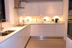 Design & buy your Welford Bright White / Luca Gloss White kitchen online. All of our Welford Bright White / Luca Gloss White kitchen units, doors & accessories are available to order today at trade prices from DIY Kitchens. Kitchen Island Makeover, Diy Kitchen Island, Kitchen Units, Buy Kitchen, Kitchen Dining, Kitchen Cabinets, Cheap Kitchen, Kitchen Ideas, Diy Wood Box