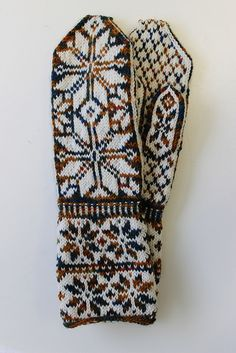 Ravelry: kiki33's Norwegian mittens with long cuff