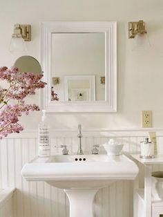 French country bathroom decor french country decorating with tile french country cottage cottage french country bathroom Small Country Bathrooms, Rustic Bathrooms, Chic Bathrooms, Decorating Bathrooms, Romantic Bathrooms, Cottage Style Bathrooms, Country Stil, French Country Cottage, French Country Decorating