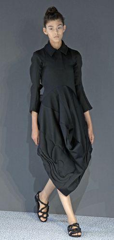 París Haute Couture FW 2013-2014: Défilé de Viktor & Rolf - Harper's Bazaar