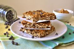 Peanut Butter Protein Granola Squares - made these last night very delicious substituted honey as the sweetener Peanut Butter Protein Bars, Peanut Butter Granola, Healthy Treats, Yummy Treats, Healthy Food, Protein Powder Recipes, Protein Recipes, Healthy Recipes, Fun Foods To Make