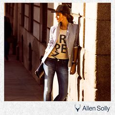 Lean on to your style this season with a neutral coloured statement blazer and relaxing graphic tee.