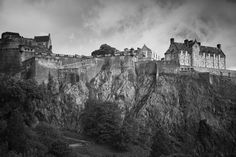 """Scotland's Edinburgh Castle, one of the """"10 most haunted places on earth"""""""