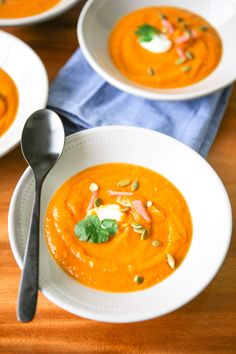 Sweet potato and tomatillo soup – My Sweet Mess Mexican Food Recipes, Soup Recipes, Dinner Recipes, Healthy Recipes, Ethnic Recipes, Tomatillo Recipes, Spicy Soup, Toasted Pumpkin Seeds, Cooked Carrots