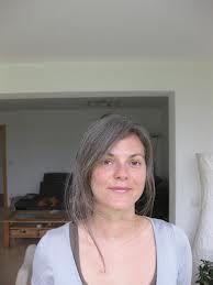 Bildergebnis für frauen graue haare attraktiv