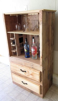 Rustic Bar/liquor Cabinet Made From Pallet Wood. $100