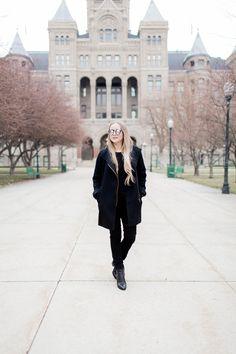 All black winter outfit in Salt Lake CIty, Utah  #minimal #allblackoutfit #monochrome