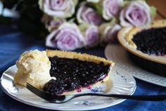 Blåbærpai med vaniljeis