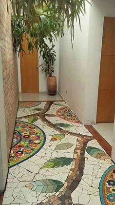 Mosaiquismo en piso de patio Very nice Mosaic floor for entry or bathroom. Very nice Mosaic floor for entry or bathroom. Something to do with all those plain broken tiles . Like the white and color balance House mosaics on stairs create streets! Mosaic a Mosaic Wall, Mosaic Glass, Mosaic Tiles, Glass Art, Mosaic Floors, Mosaic Bathroom, Pebble Mosaic, Stone Mosaic, Bathroom Colors